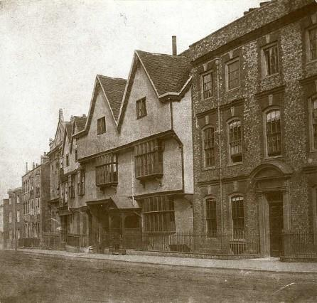15 and 17 Castle Street , Reading (Wikimedia Commons)