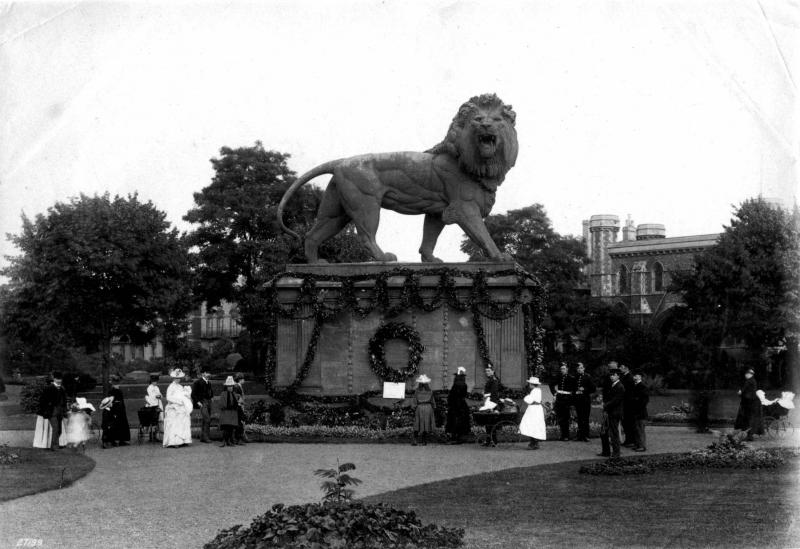 The Forbury Lion and Abbey Gateway