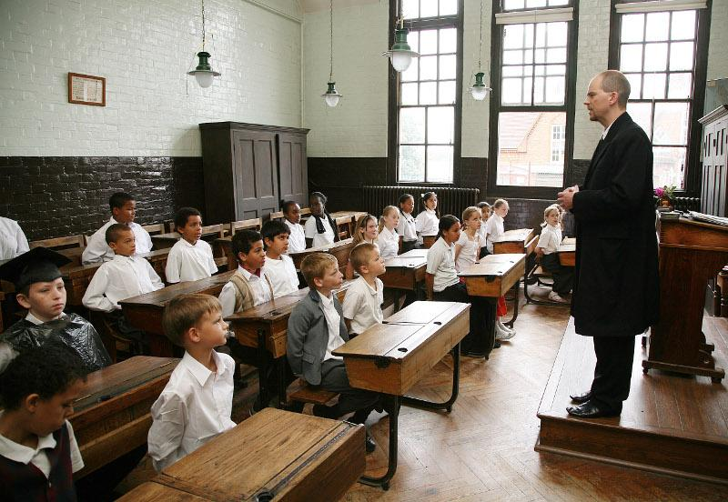 Victorian schoolroom at Katesgrove School