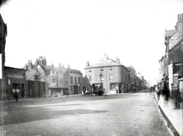 St. Mary's Butts, Reading, looking northwards, c. 1895. – (Courtesy of Reading Library's Local Illustration Collection)