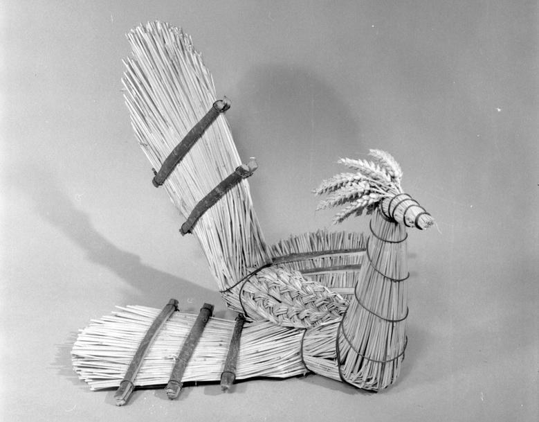 straw bird by Lettice Stanford