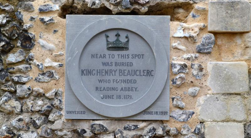 New King Henry I commemorative plaque 2018