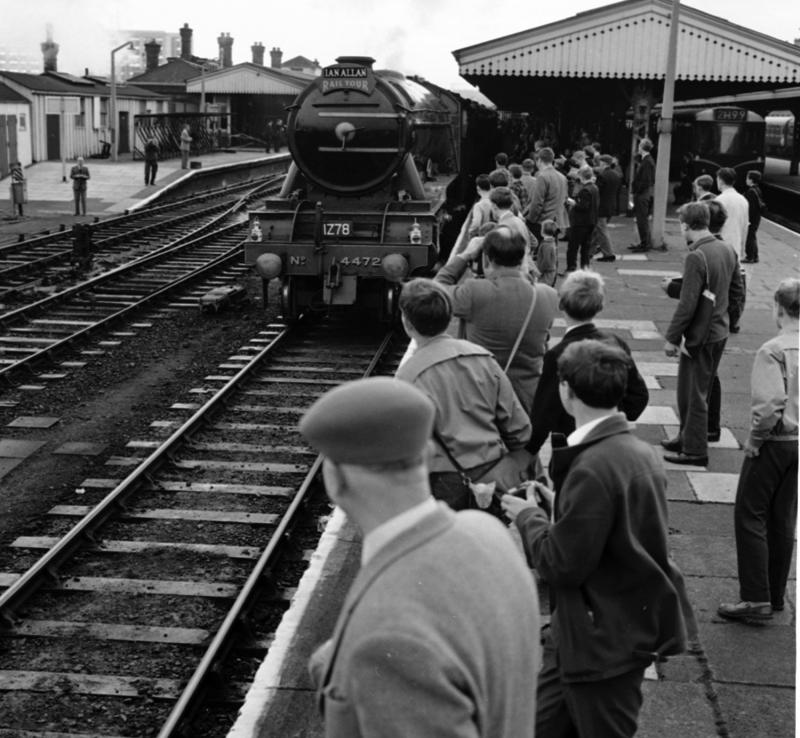 The Flying Scotsman at Reading Station in October 1963