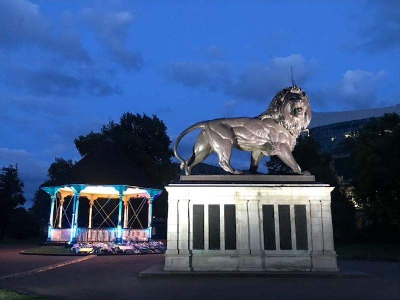 Maiwand Lion and bandstand in the Forbury Gardens