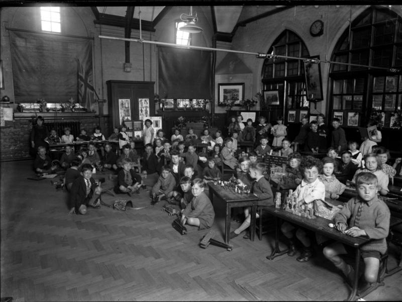 Oxford Road Infant's School - The Half-Hour's Toy-time, 1934