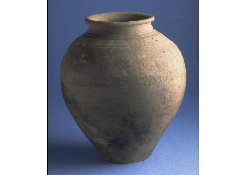 Pottery jar from Silchester