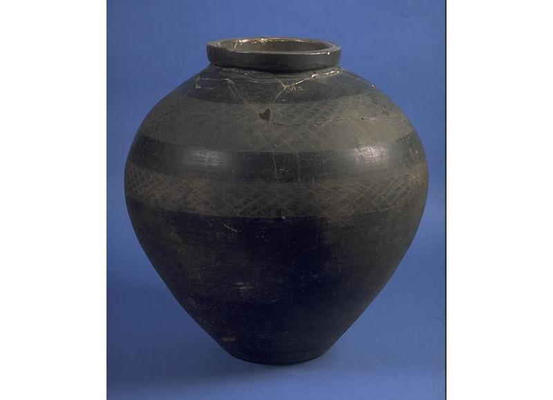 Large pottery jar 'Jubilee Pot'
