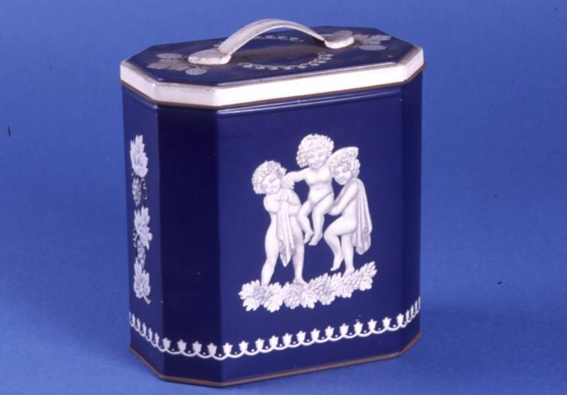 Huntley and Palmers Wedgwood casket tin