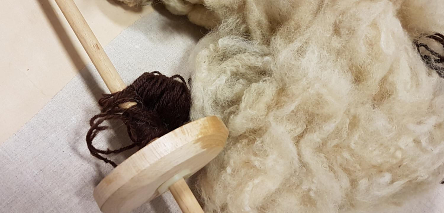 A spindle and wool