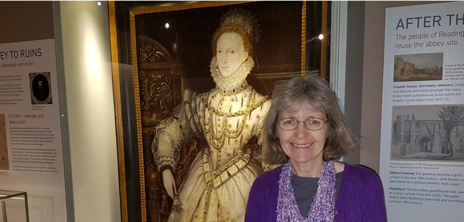 Catherine stood next to the portrait of Queen Elizabeth