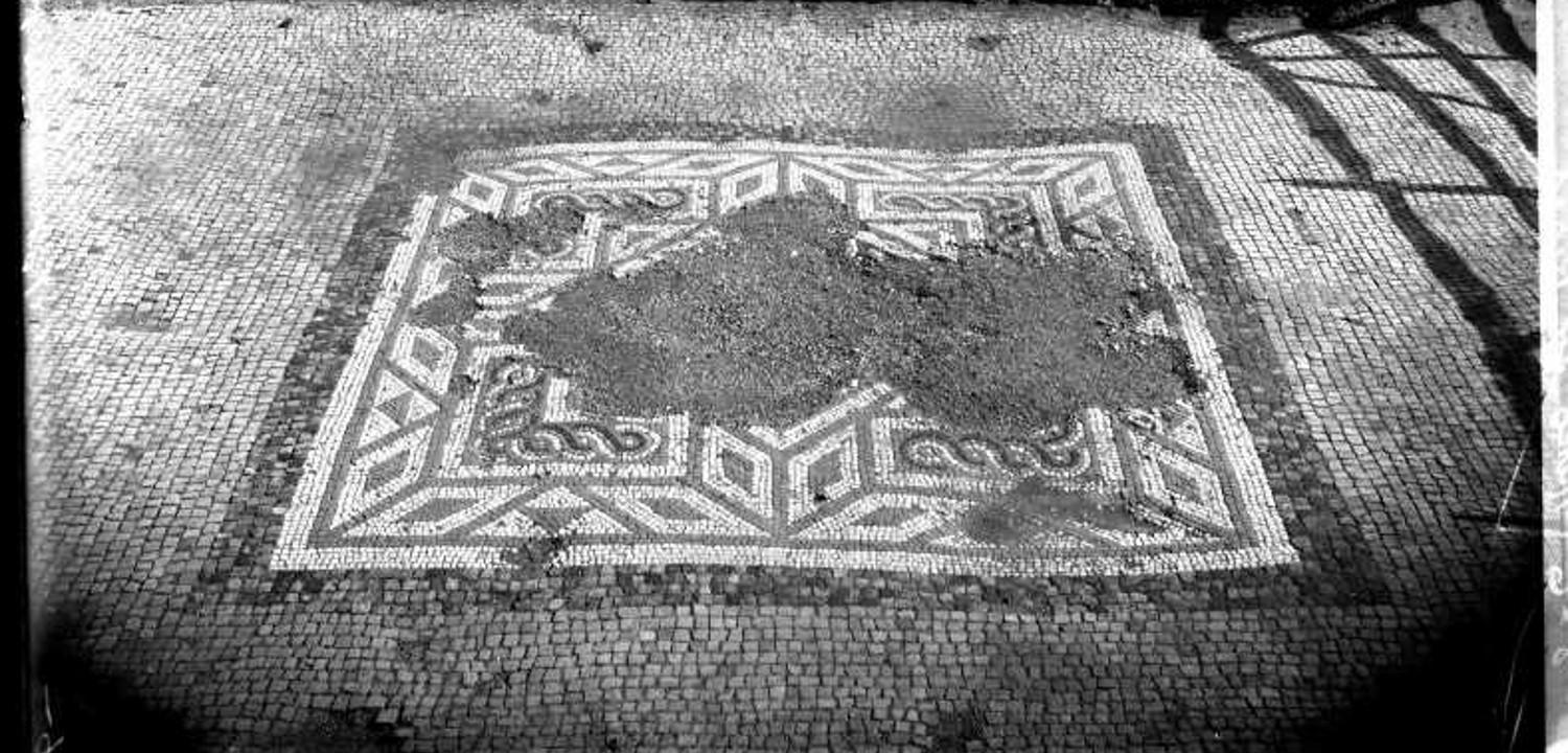 Silchester mosaic in excavation