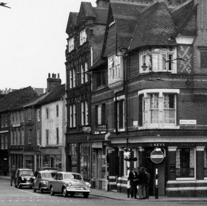 Crossroads at Gun Street, Bridge Street, Castle Street and St Mary's Butts in 1961