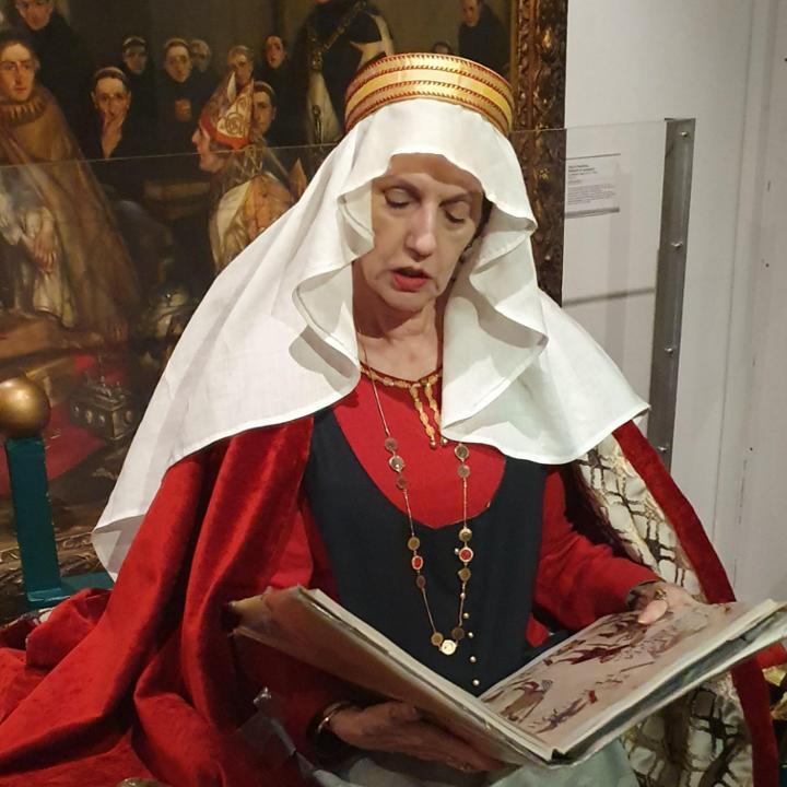 Empress Matilda reading a story