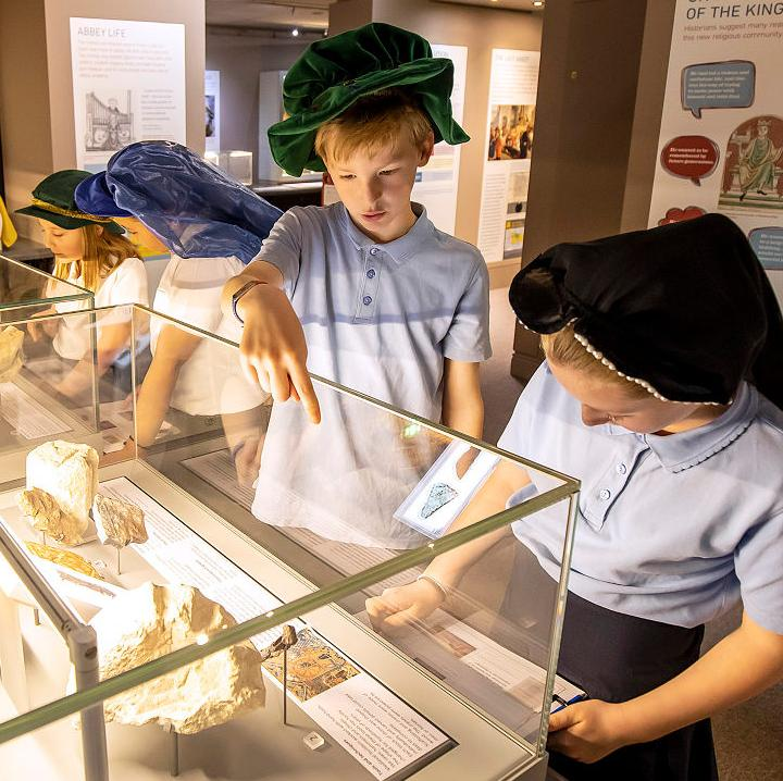 Children exploring the Story of Reading Gallery