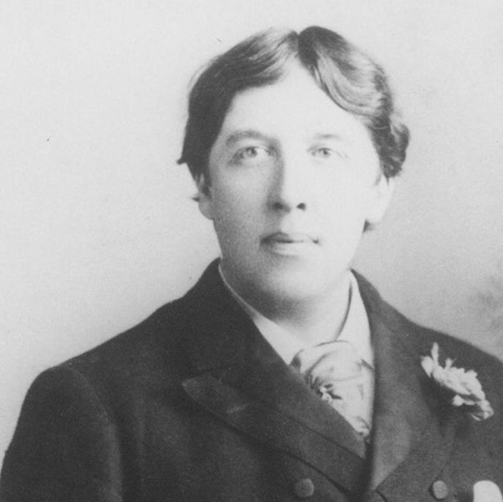 Photograph of Oscar Wilde