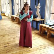 Tudor woman costumed interpreter volunteer